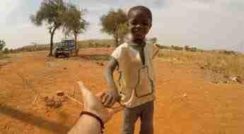 Goccia dopo goccia. Portando acqua in Burkina Faso